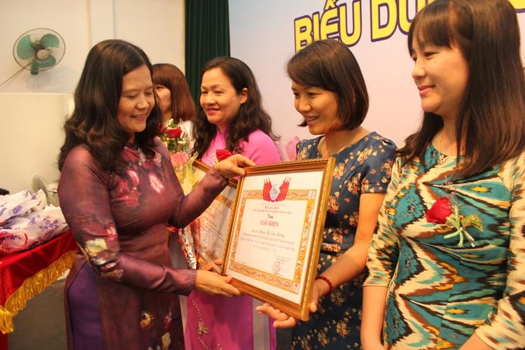 Hình ảnh phụ nữ Việt
